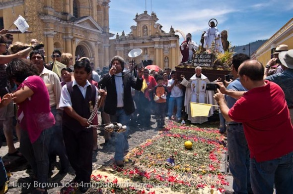 "easter-sunday-domingo-de-resurreccióIncense to purify, shouting ""Cristo Vive!"" (Christ Lives!) before the procession from Hermano Pedro church, Antigua, Guatemalan-resurrection-procession-antigua-guatemala-3"