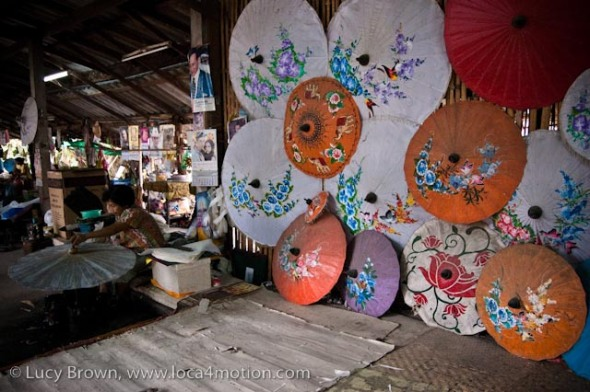 Painted parasols and artisans at work, traditional Thai parasols, Chiang Mai, Thailand