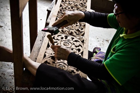 Carving in teak, wood carving, Chiang Mai, Thailand